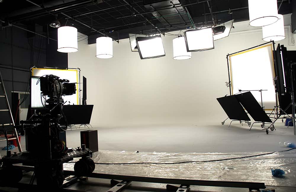 360 degree Virtual 3D tours walk-around for film tv photographic studios