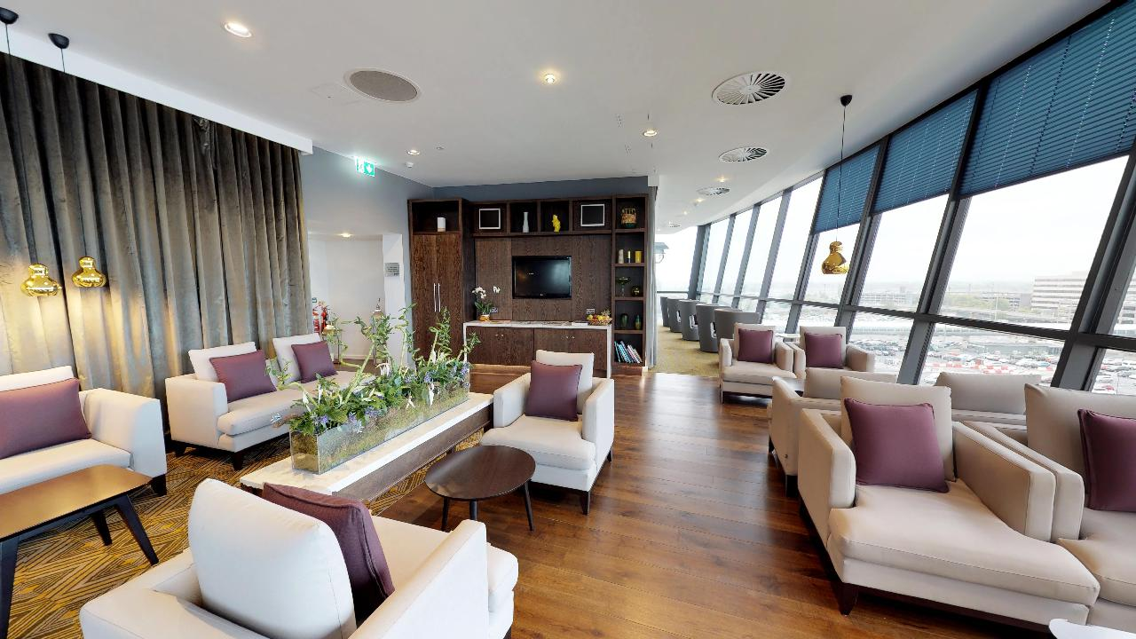 virtual tour of hotel lounge